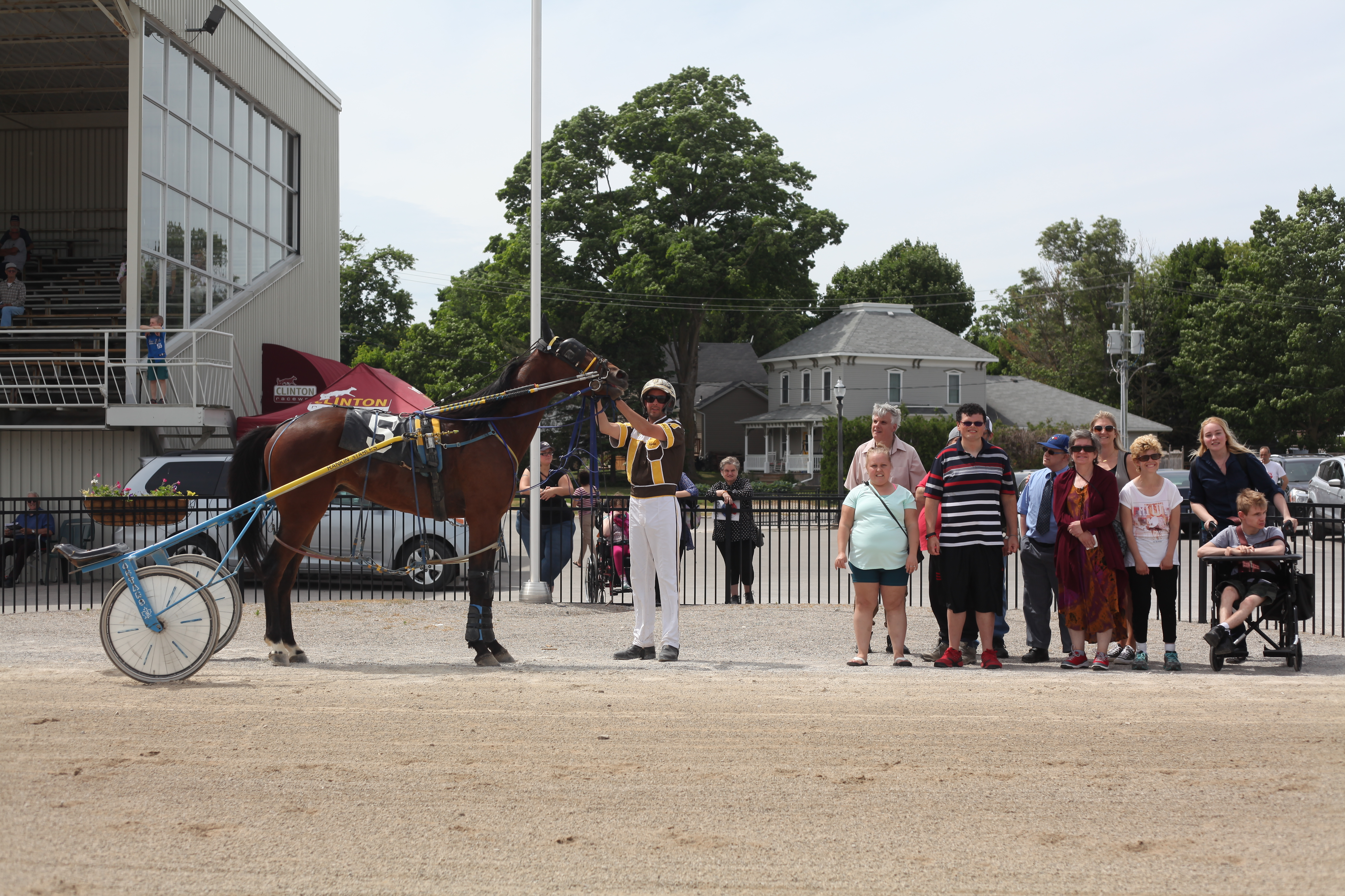 After Weekend Hiatus Harness Racing Returns With Gusto At